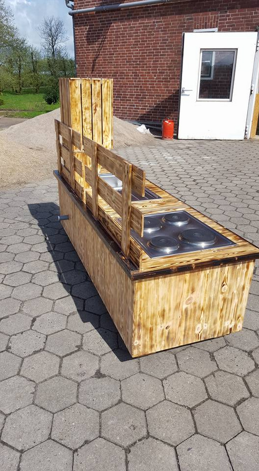 pallet upcycled sink