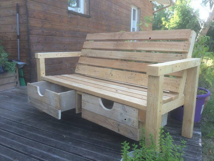 pallet wood bench idea