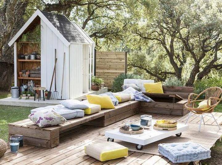 pallet wood lounge