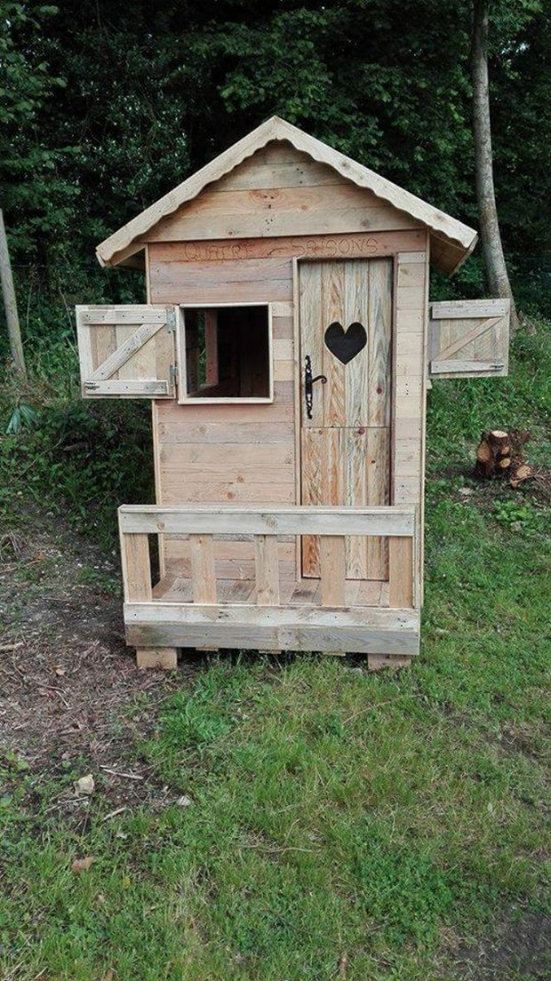 Garden Cabin Made With Wood Pallets Pallet Ideas
