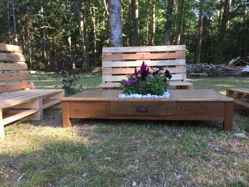 Outdoor Wooden Pallet Furniture