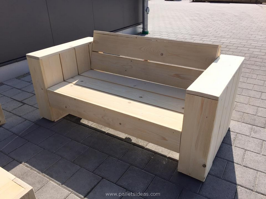 recycled pallet wood couch