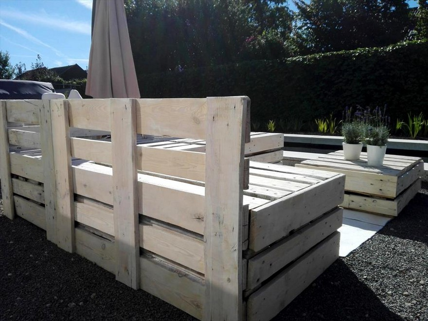 Wood pallet outdoor garden furniture pallet ideas for Wooden garden furniture