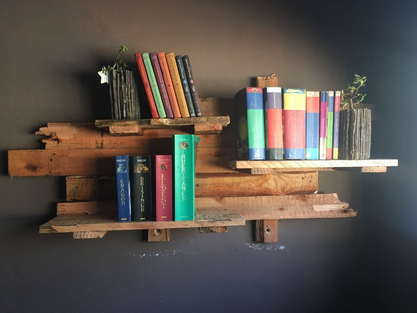wooden pallet rustic shelf