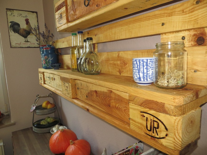 kitchen-racking-with-pallets