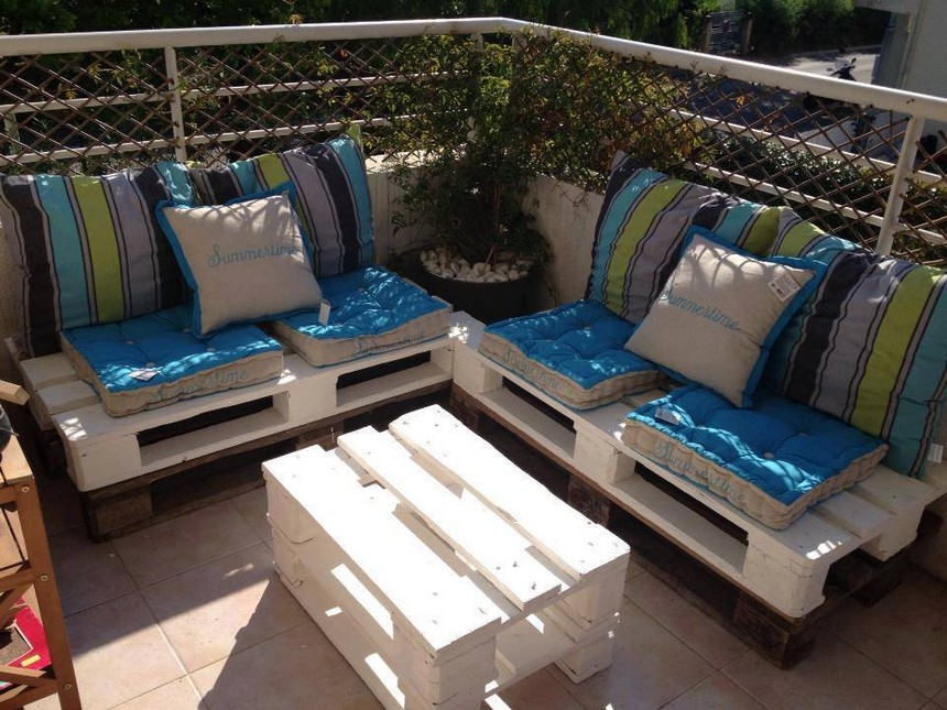 pallet balcony furniture