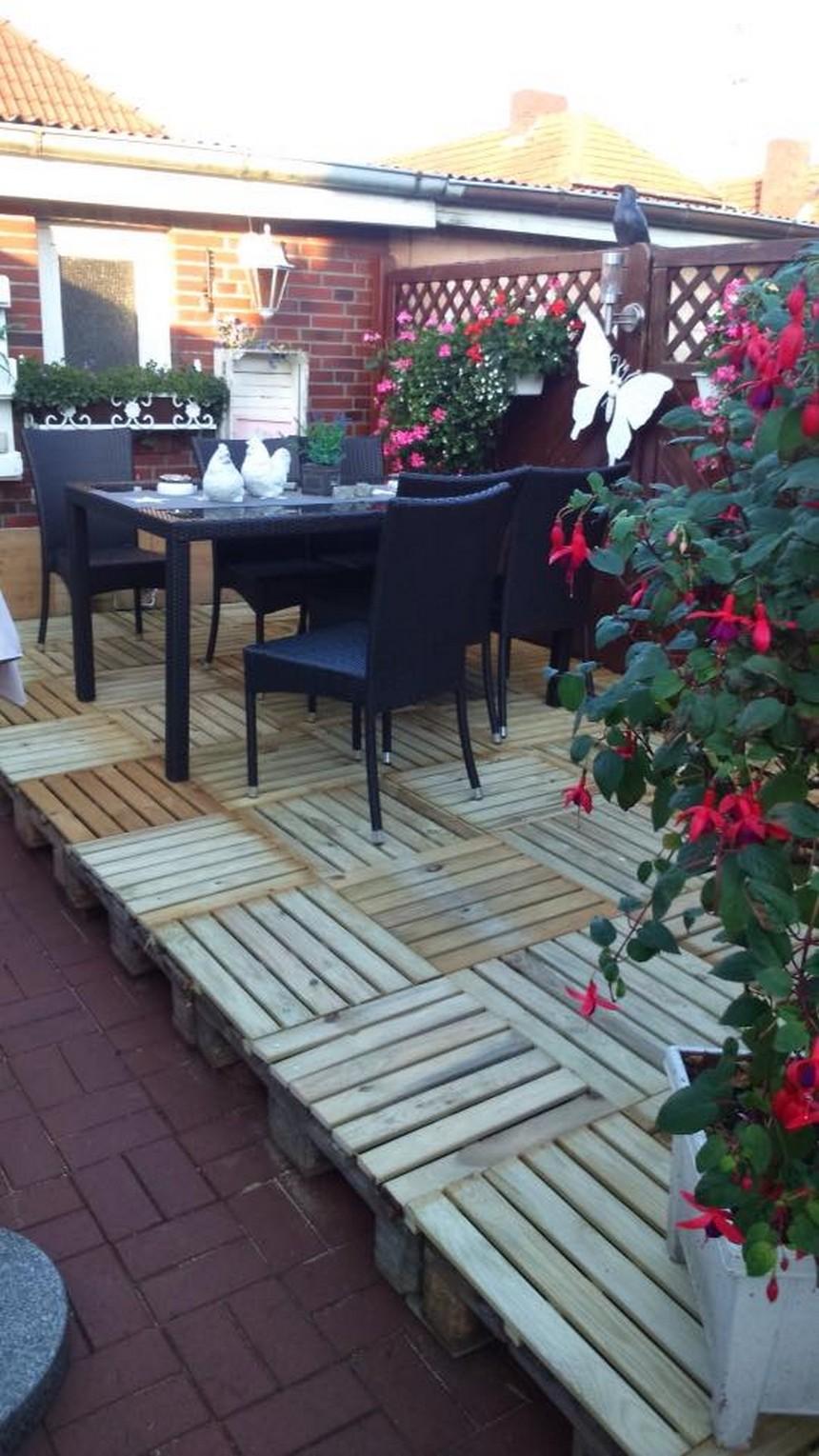 pallet garden deck flooring