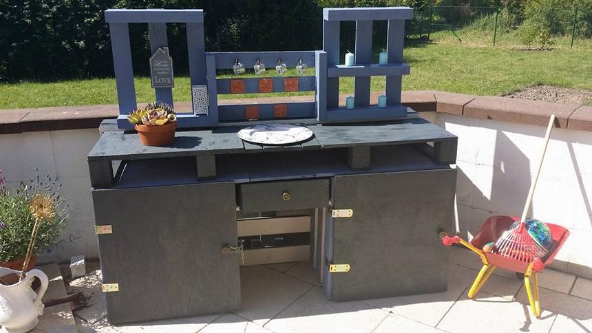 pallet patio cabinet