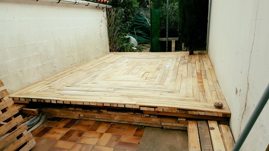 pallet patio idea