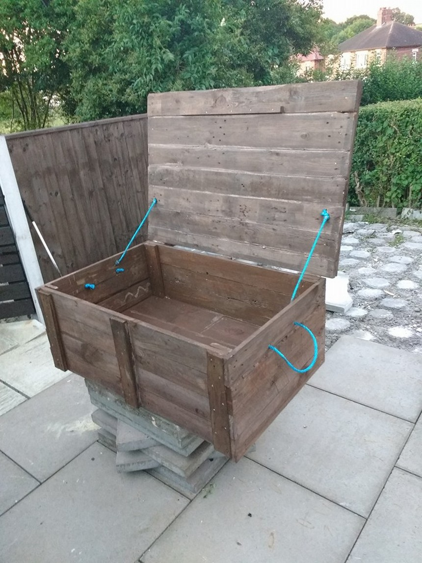 recycled pallet chest