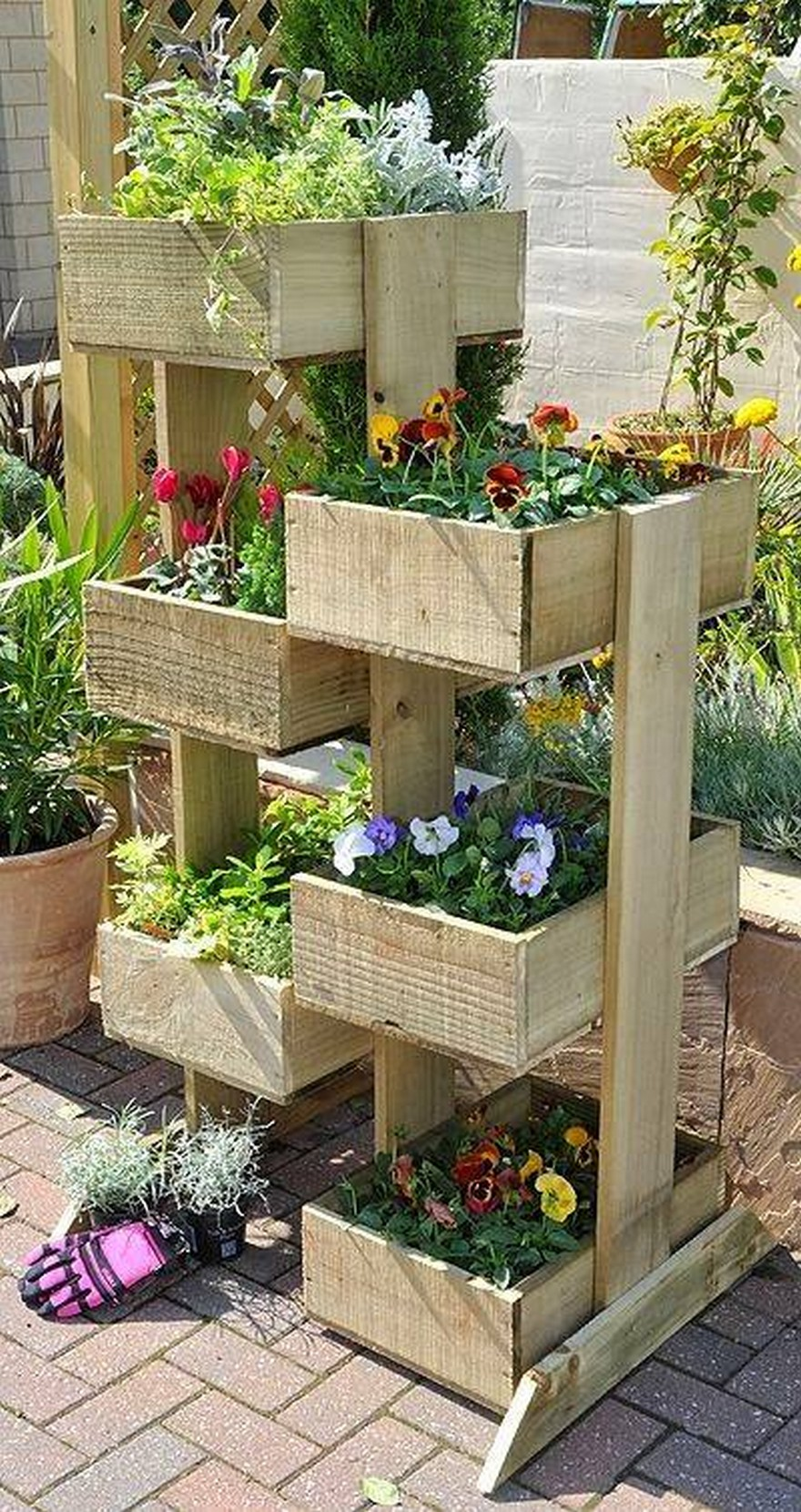 Wonderful pallet wood ideas pallet ideas recycled upcycled pallets furniture projects - Jardin vertical pallet ...