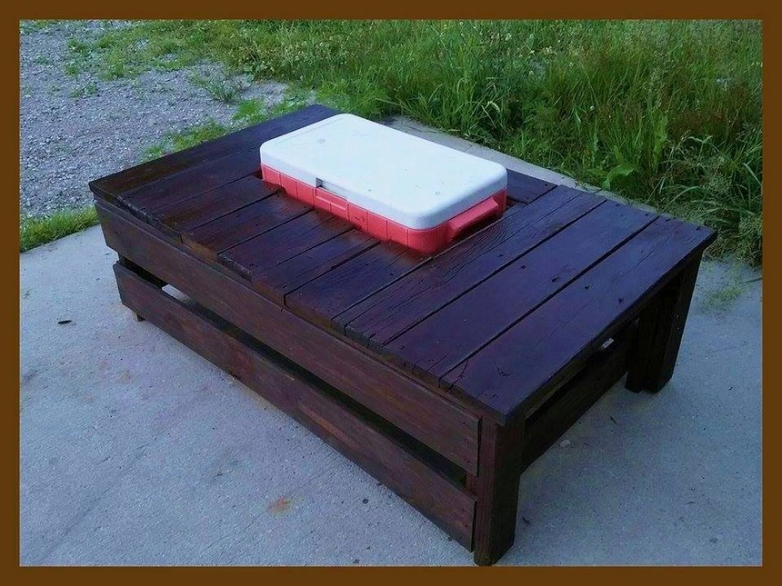 recycled pallet table cum cooler