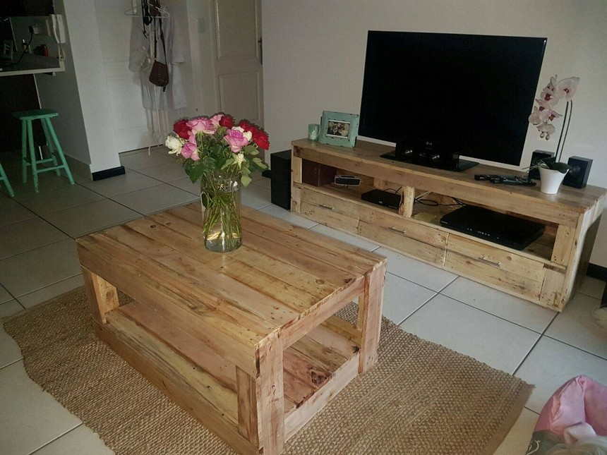 recycled pallet wood furniture