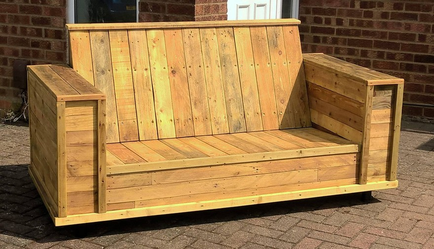 recycled wood pallet patio bench couch