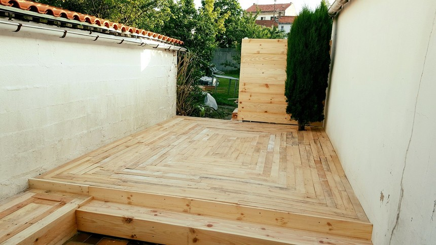 upcycled pallet outdoor floor diy