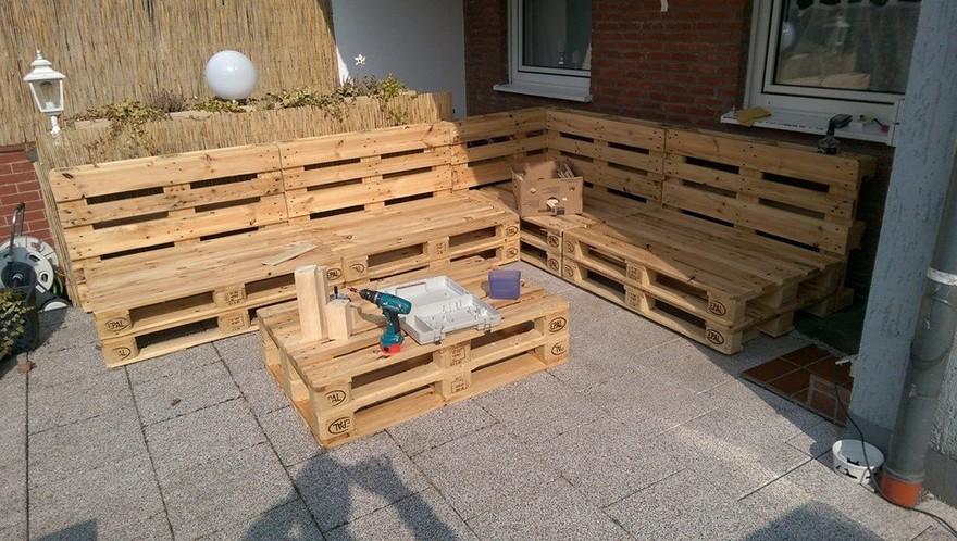 wood pallet outdoor furniture idea