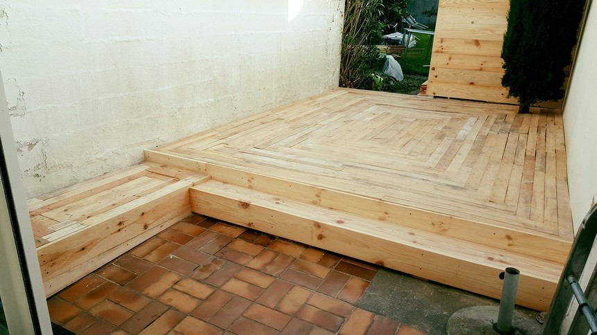 wooden pallet patio floor deck