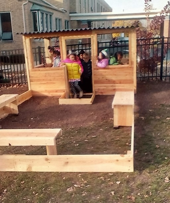 pallet-play-hosue-idea