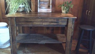 Recycled Pallets Entryway Table