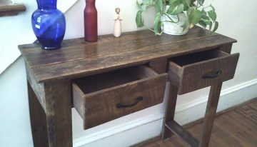 Rustic Pallets Entry Way Table