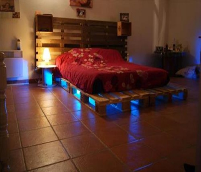Pallets Powered Room Ideas | Pallet Ideas on Pallet Bedroom Design  id=56164