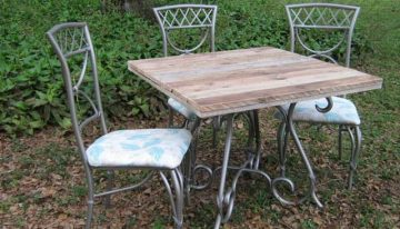Pallet Wood Top Re-newed Patio Table