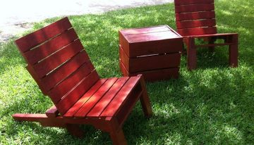 Outdoor Pallets Chairs with Stool
