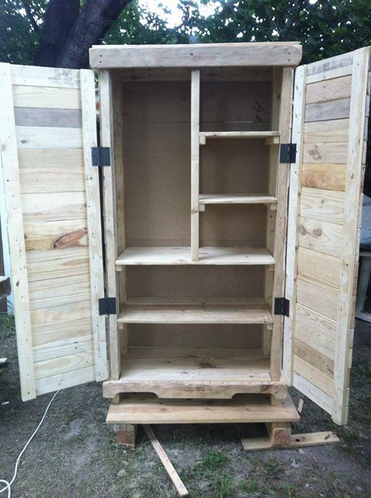 Recycled Wood Pallets Storage Cabinet | Pallet Ideas
