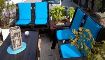 Outdoor Wooden Pallets Made Furniture