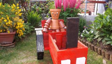 Pallets Made Planter Tractor