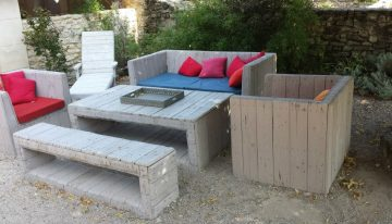Outdoor Unique Pallets Sofa with Table