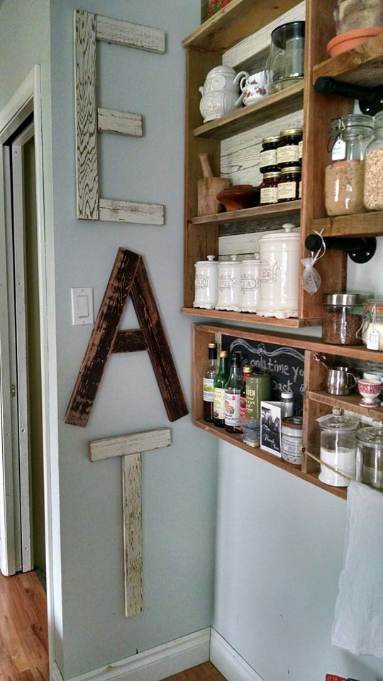 Pallets Kitchen Wall Shelves and Chalkboard | Pallet Ideas