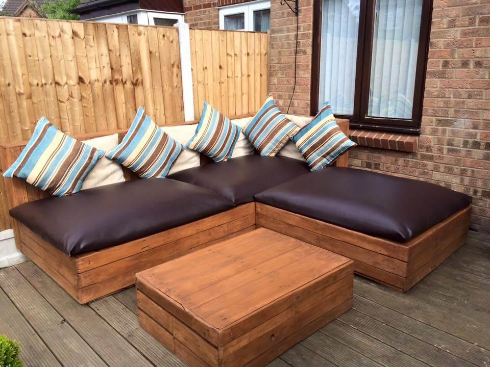 DIY Pallet Corner Sofa | Pallet Ideas