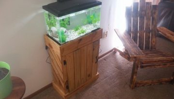 Pallets Made Fish Tank Stand