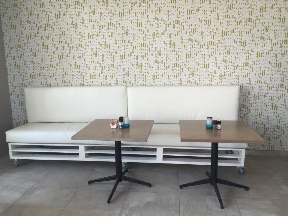 Pallet Wood Made Restaurant Furniture Pallet Ideas