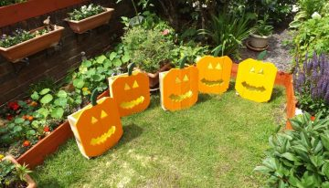Wood Pumpkins Garden Crafts Out of Pallets