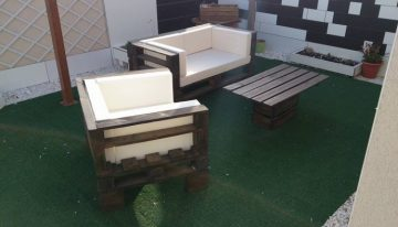 Pallet Wood Made Outdoor Sofa Set
