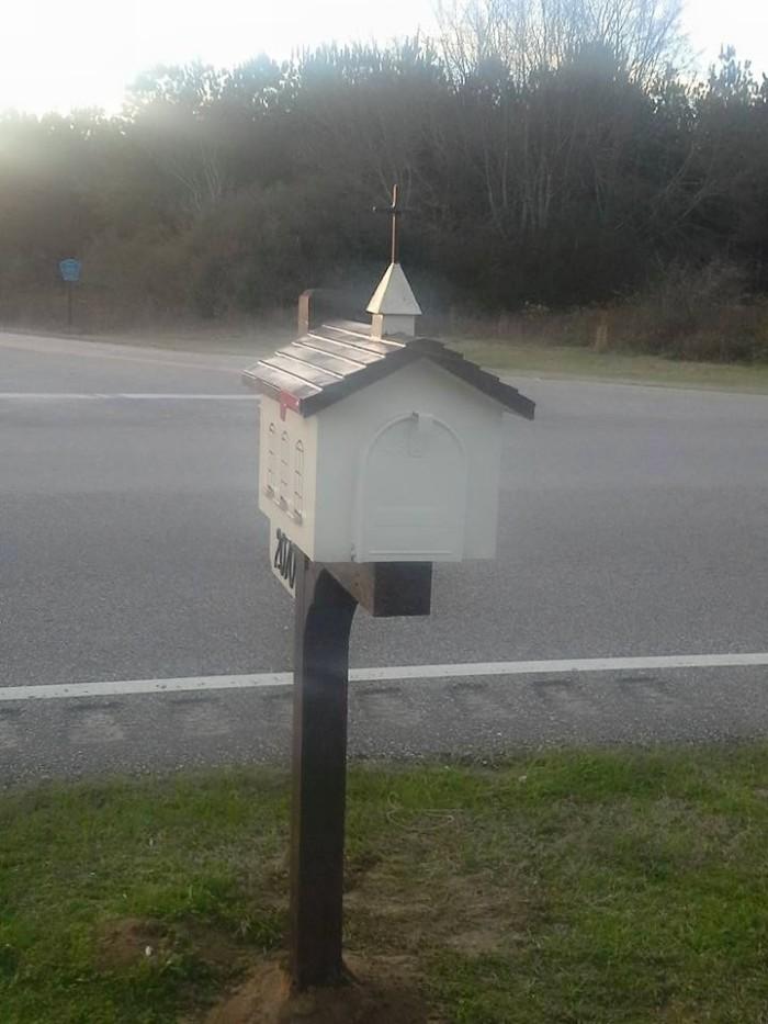 Custom Made Pallet Mailbox | Pallet Ideas