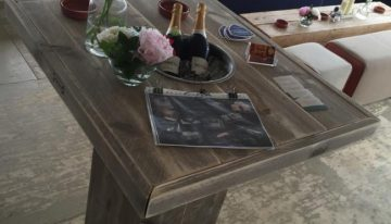 Pallet Table with Ice Chest