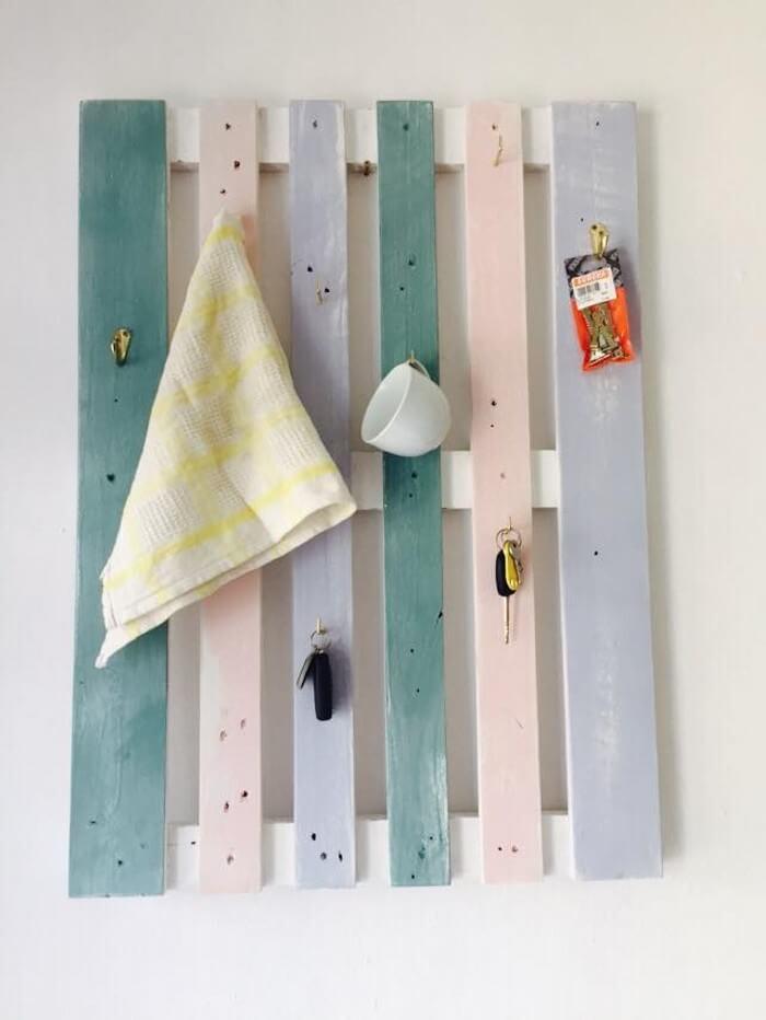 Wood Pallet Made Hanger Pallet Ideas