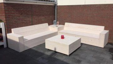 Pallet Garden Corner Couch