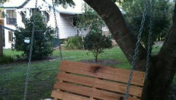 Pallet Garden Swing Seat