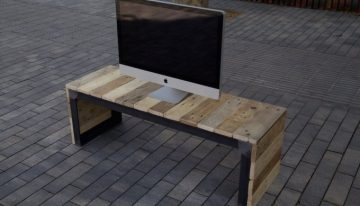 Reclaimed Pallet TV Stand / Console