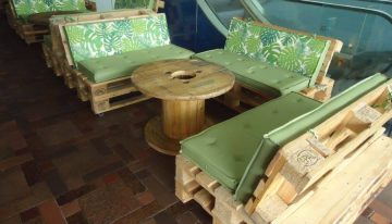 Pallet Furniture at the Restaurant