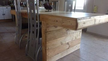 Wooden Pallet Dinning Table