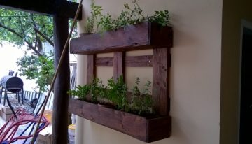 Pallet Wood Wall Planter for Pots