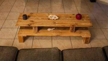Simple Rustic Pallet Wood Table