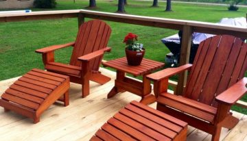 Lovely Pallet Chairs Set