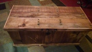 Pallet Chest / Coffee Table / Toybox