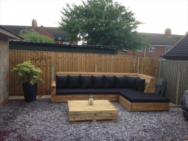 DIY Pallet Sofa Ideas and Plans | Pallet Ideas on L Shaped Patio Ideas id=89912